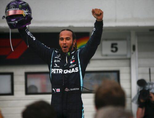 Vinci l'autografo digitale certificato di Lewis Hamilton con PETRONAS GRAND QUIZ